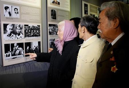"""Khai mạc trưng bày chuyên đề: """"Chuyện kể về những vị tướng từng bị giam trong nhà tù thực dân"""""""