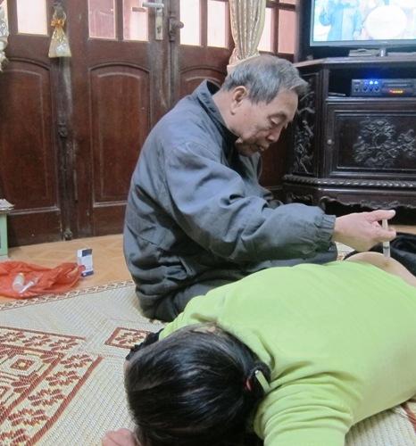 Bác sĩ Đặng Cát gần 30 năm làm việc thiện