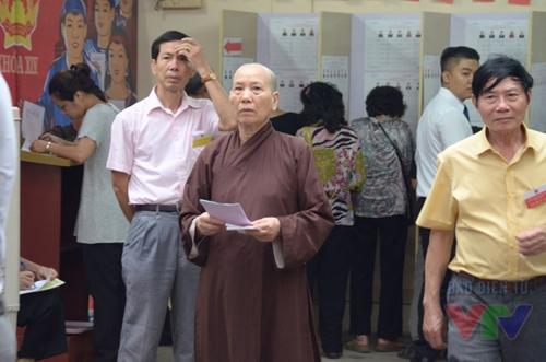 Cử tri quận Hoàn Kiếm nô nức đi bỏ phiếu
