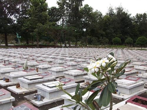 Tìm phần mộ liệt sĩ Nguyễn Văn Sâm, thuộc đơn vị KH