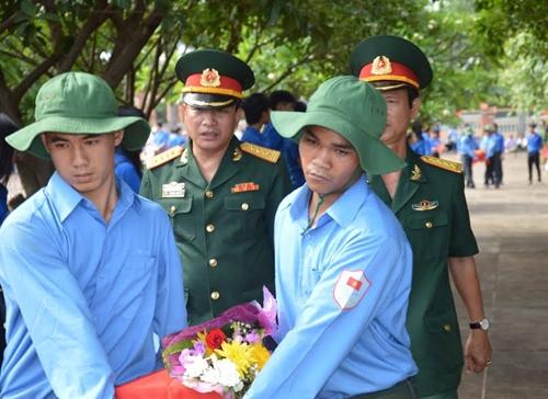 Gia Lai: Đón, truy điệu và an táng 29 hài cốt các liệt sĩ quân tình nguyện Việt Nam hy sinh tại Cam-pu-chia