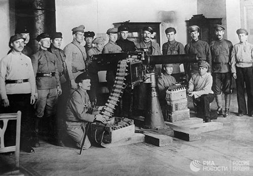 Vũ khí được sử dụng trong Cách mạng Tháng Mười Nga năm 1917