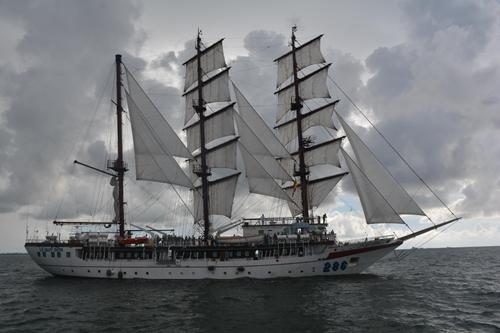 Huấn luyện trên tàu buồm