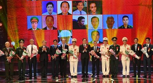 Lãnh đạo Đảng, Nhà nước tại Lễ kỷ niệm 70 năm Ngày Chủ tịch Hồ Chí Minh ra Lời kêu gọi thi đua ái quốc