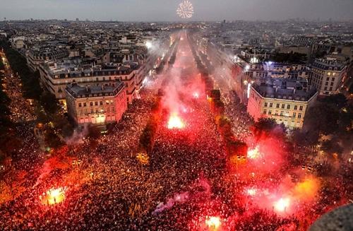 Pháp: Hành động quá khích diễn ra trong lễ hội mừng chức vô địch World Cup tại nhiều thành phố