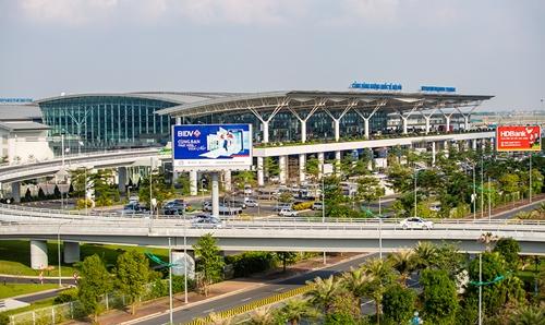 Ưu tiên làm thủ tục hàng không cho phóng viên nước ngoài tại sân bay Nội Bài