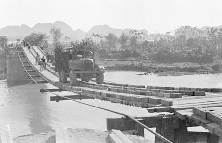 Đường Trường Sơn - Đường Hồ Chí Minh - Sáng tạo độc đáo của dân tộc Việt Nam trong kháng chiến chống Mỹ, cứu nước - Bài học đối với sự nghiệp xây dựng và bảo vệ Tổ quốc hiện nay