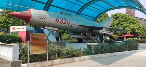 Ngắm Bảo vật quốc gia tại Bảo tàng Lịch sử Quân sự Việt Nam