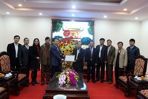 Hội đồng hương Hải Phòng tại Hà Nội tặng Hội Cựu chiến binh thành phố Hà Nội kinh phí xây nhà tình nghĩa