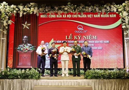 Gặp mặt kỷ niệm 75 năm Ngày thành lập QĐND Việt Nam và 30 năm Ngày hội Quốc phòng toàn dân