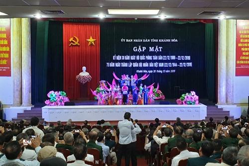 Khánh Hòa: Gần 1.400 đại biểu gặp mặt kỷ niệm 75 năm Ngày thành lập Quân đội Nhân dân Việt Nam