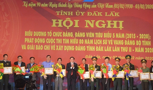 Đắk Lắk biểu dương 52 tổ chức Đảng và đảng viên tiêu biểu 5 năm