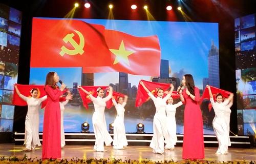 Thực hiện tốt vai trò Đảng vừa là người lãnh đạo, vừa là người đầy tớ của nhân dân