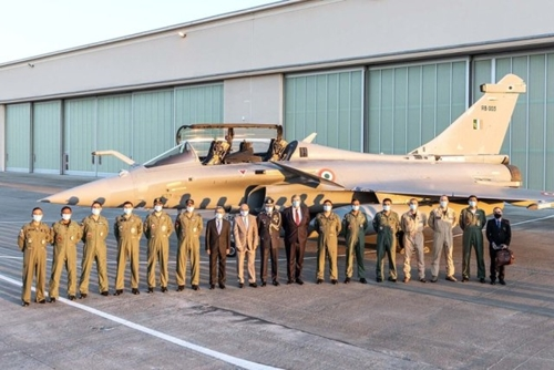 5 máy bay chiến đấu Rafale đầu tiên đã lên đường tới Ấn Độ
