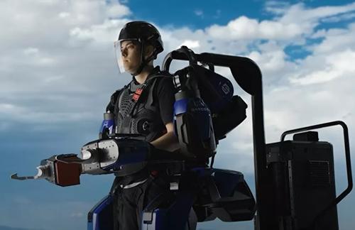 Thủy quân lục chiến Mỹ thử nghiệm hệ thống khung xương kim loại hỗ trợ binh sĩ mới