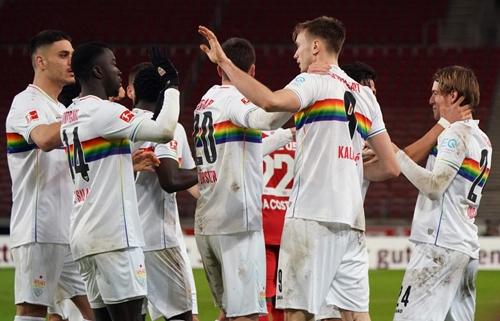 Đấu sớm vòng 19 Bundesliga: Stuttgart củng cố vị trí thứ 10