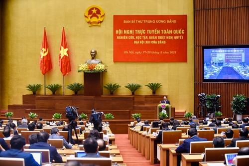 Thủ tướng Nguyễn Xuân Phúc trình bày chuyên đề Chiến lược phát triển kinh tế xã hội 10 năm