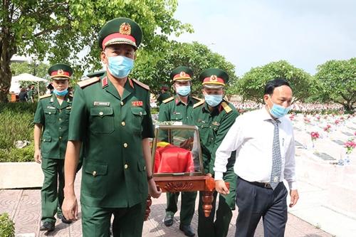 Tỉnh Quảng Bình: Truy điệu và an táng 16 hài cốt liệt sĩ quy tập tại Lào