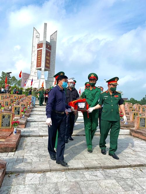 Truy điệu và an táng 95 hài cốt liệt sĩ quân tình nguyện và chuyên gia Việt Nam hy sinh tại Lào