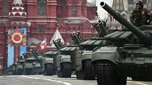 Nhiều phương tiện và máy bay chiến đấu hiện đại tham gia duyệt binh tại Quảng trường Đỏ