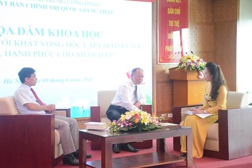 """Tọa đàm """"Hồ Chí Minh với khát vọng độc lập cho dân tộc, tự do, hạnh phúc cho nhân dân"""