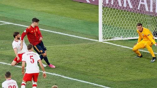 Tây Ban Nha - Ba Lan: Bất phân thắng bại