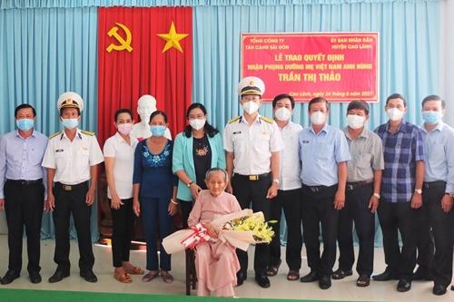 Tổng công ty Tân cảng Sài Gòn nhận phụng dưỡng Mẹ Việt Nam Anh hùng