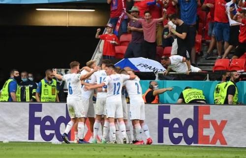 Hà Lan 0-2 CH Séc: