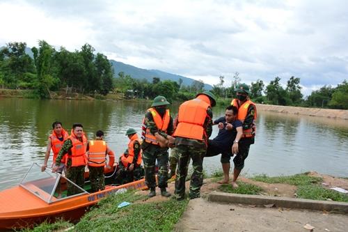 Luyện tập ứng phó bão, lụt và tìm kiếm cứu nạn