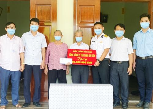 Tổng công ty Tân cảng Sài Gòn bàn giao nhà tình nghĩa