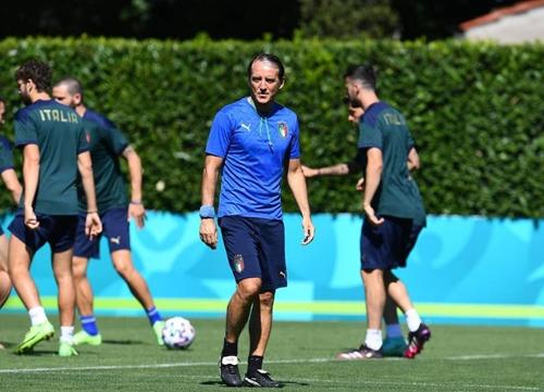 ĐT Italia vô tình hay cố ý để lộ đội hình chơi trận chung kết Euro 2020?