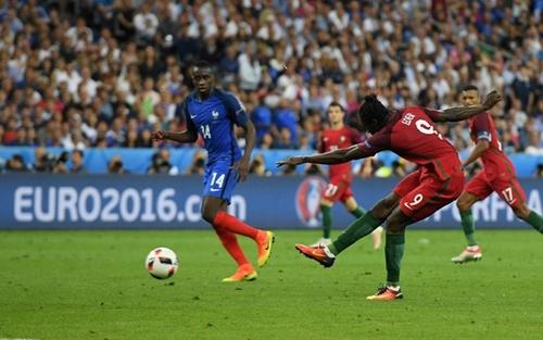 Những bàn thắng đẹp của các trận chung kết Euro