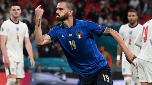 Trận chung kết Euro nghẹt thở và chức vô địch cho Italia