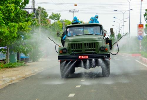 Sư đoàn Bộ binh 2, Quân khu 5 phun khử khuẩn tại Gia Lai