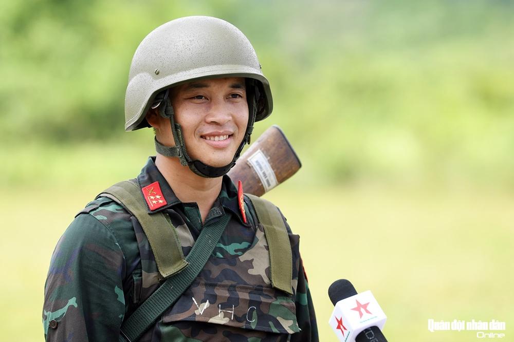 Sau nhiều tháng huấn luyện, cán bộ, chiến sĩ được chọn tham gia đội tuyển chính thức sẽ sang Liên bang Nga thi đấu, tất cả đều rạng ngời vui tươi và tràn đầy tự tin, quyết tâm mang vinh quang về cho Tổ quốc từ lần đầu tham dự Army Games.