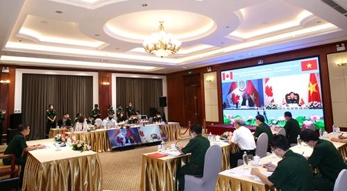 Việt Nam và Canada lần đầu tiên đối thoại chính sách quốc phòng
