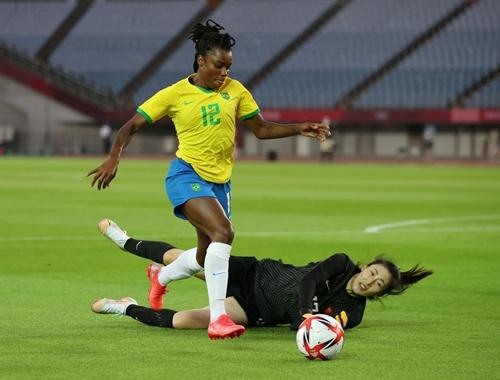 Bình đẳng cho bóng đá nữ
