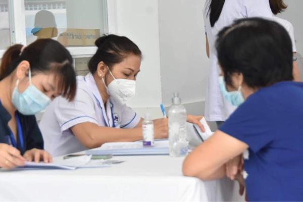 Sáng 25-7, Hà Nội ghi nhận 10 trường hợp mắc Covid-19 tại 6 ổ dịch