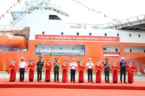 Quân chủng Hải quân tiếp nhận Tàu tìm kiếm cứu nạn tàu ngầm