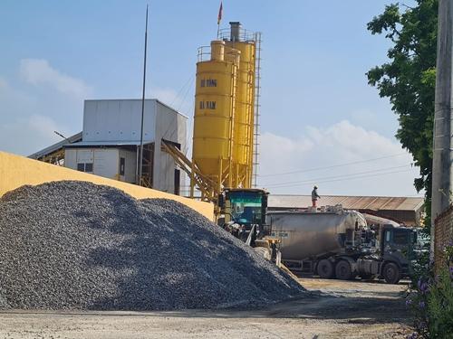 Thuê nhà xưởng để xây dựng trạm trộn bê tông gây ô nhiễm