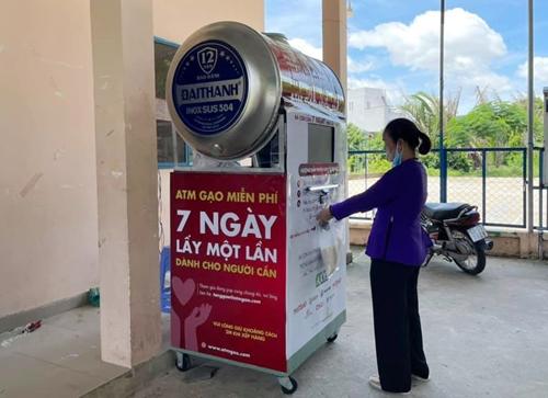 Máy ATM phát gạo thông minh