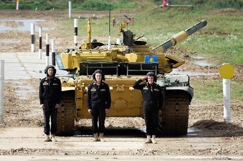 Đội tuyển xe tăng Kazakhstan sẵn sàng đua tài tại Army Games 2021