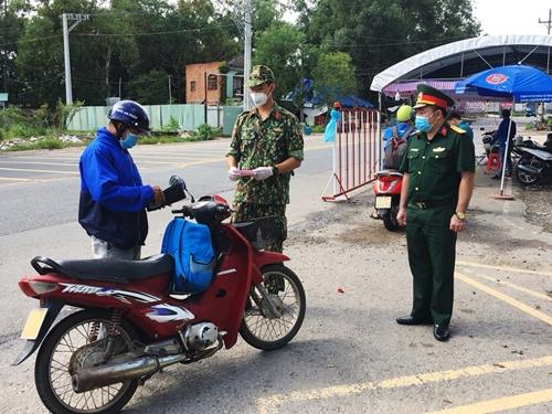 Bản lĩnh Bộ đội Cụ Hồ nơi tuyến đầu chống dịch