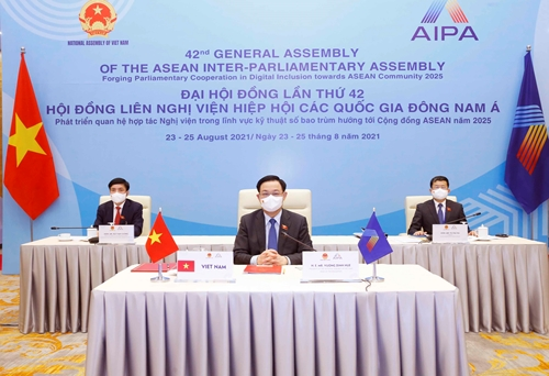 Đoàn đại biểu cấp cao Quốc hội Việt Nam có nhiều sáng kiến đóng góp tại AIPA-42