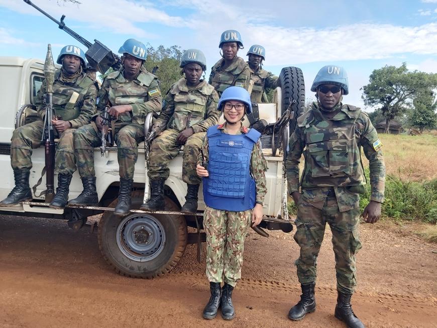 Nữ quân nhân Việt Nam ở Nam Sudan Tuan%20tra