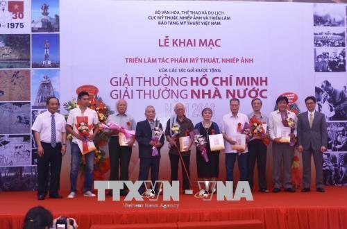 Lập Hội đồng cấp Nhà nước xét tặng giải thưởng về văn học, nghệ thuật