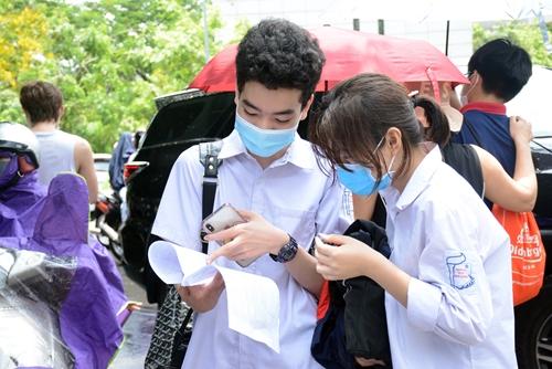 Hà Nội hỗ trợ giảm 50% học phí cho học sinh