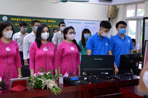 Trường Trung học cơ sở Nguyễn Tri Phương khai giảng năm học mới