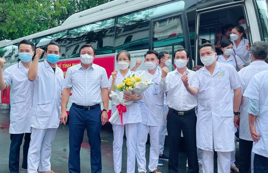 500 cán bộ, nhân viên y tế tỉnh Phú Thọ hỗ trợ Hà Nội phòng, chống dịch