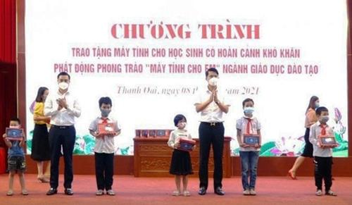 Hà Nội: Hỗ trợ học sinh có hoàn cảnh khó khăn các thiết bị để học trực tuyến